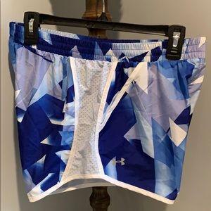 UNDER ARMOUR HEAT GEAR Women's Shorts Size Medium